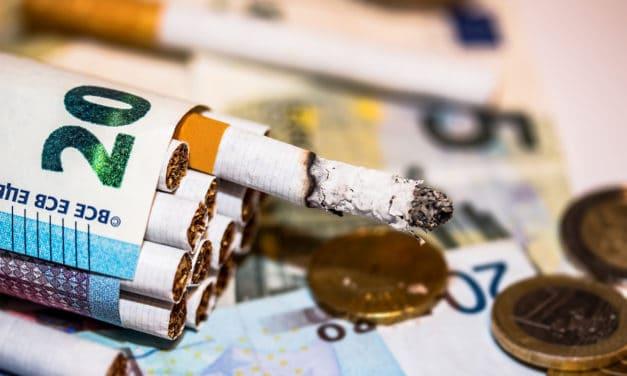Rakousko bude trestat kouření v autě vezoucím děti