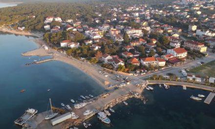Chorvatské Pakoštane z dronu